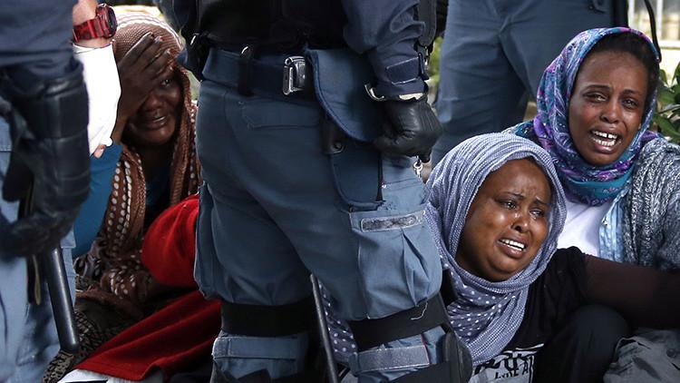 """Política sueca: """"La solución para parar a los refugiados es una ametralladora"""""""