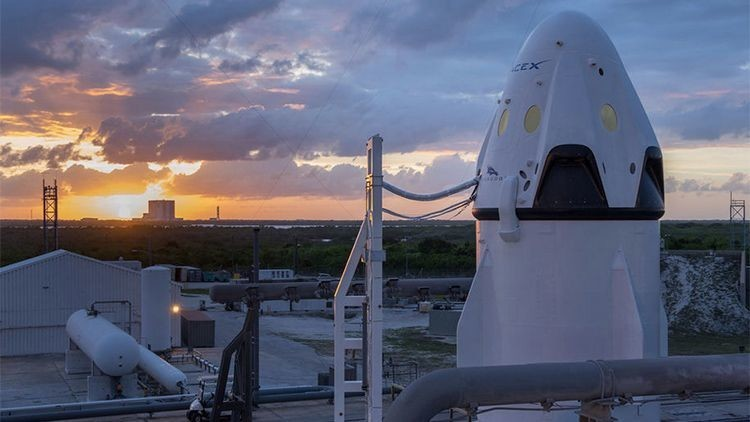 Video: SpaceX muestra el interior de la nave espacial Crew Dragon