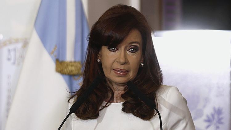Cristina Fernández felicita al 'Pablo Iglesias' británico