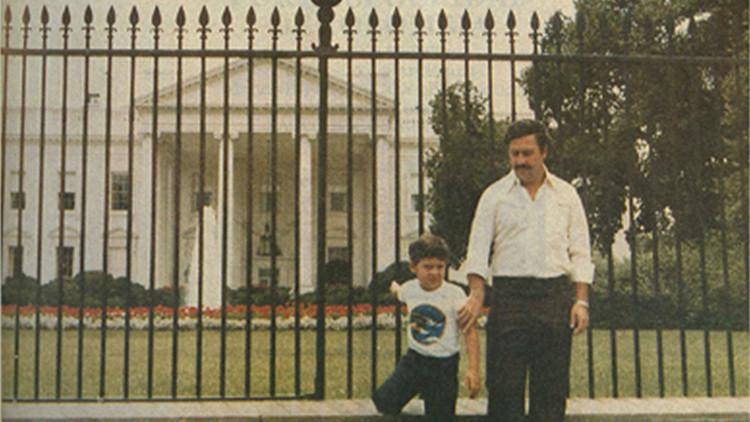 Pablo Escobar y la Casa Blanca: La foto que siempre sorprende a los internautas
