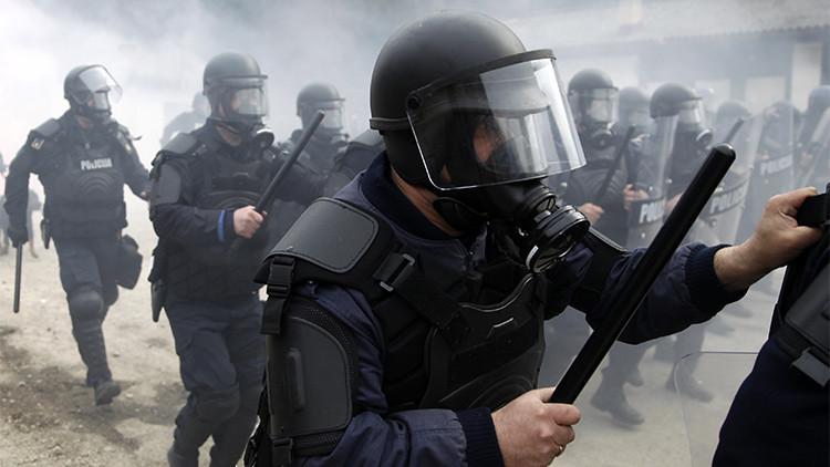 Video: La Policía israelí desaloja la Explanada de las Mezquitas con granadas aturdidoras