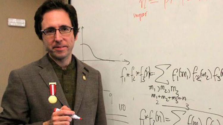 Conozca al matemático peruano que ha resuelto un enigma de más de dos siglos