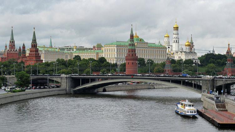 """Portavoz presidencial: """"Moscú no realiza negociaciones secretas sobre Siria"""""""