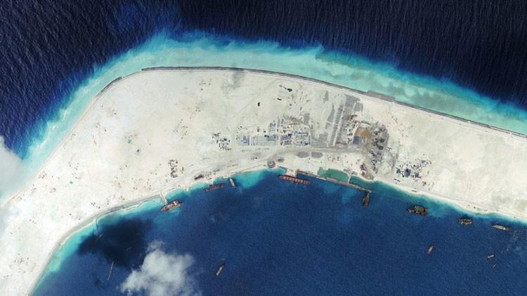 Tensión en Asia-Pacífico: China construye una tercera pista de aterrizaje en la zona de disputa