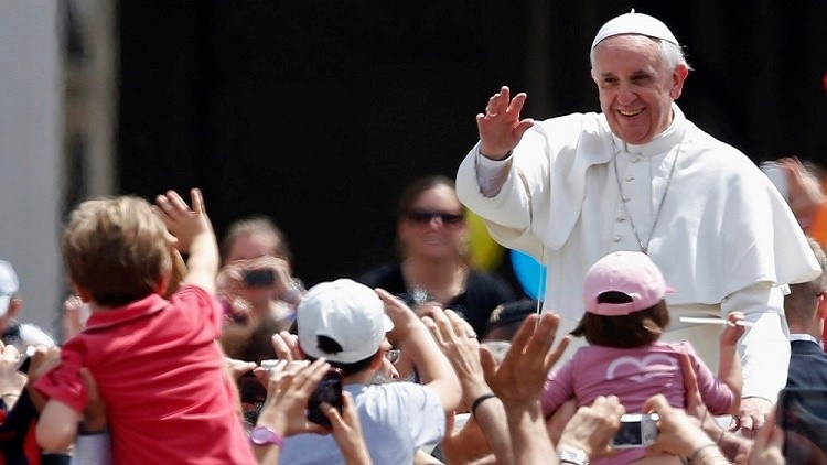 Arrestan a un menor inspirado por el EI que planeó matar al papa Francisco en EE.UU.