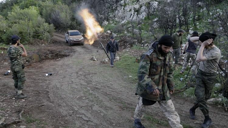 """""""Fracaso total"""": solo 4 o 5 rebeldes entrenados por EE.UU. siguen luchando en Siria"""