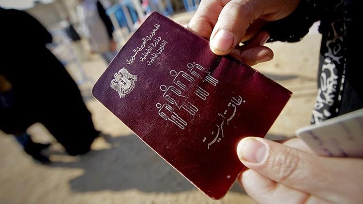 """Periodista holandés: """"Si yo compré un pasaporte sirio falso los yihadistas también pueden hacerlo"""""""