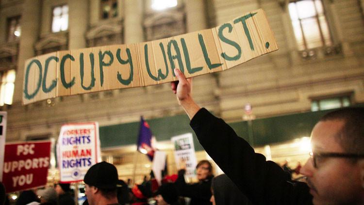 ¿Por qué Occupy Wall Street no cambia la política en EE.UU. mientras que el 15M en España sí?