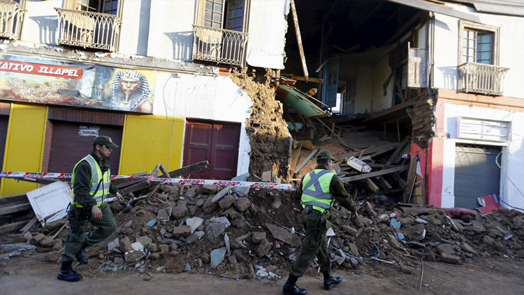 Chile: Captan en dramáticos videos el terremoto, las evacuaciones y las olas del tsunami