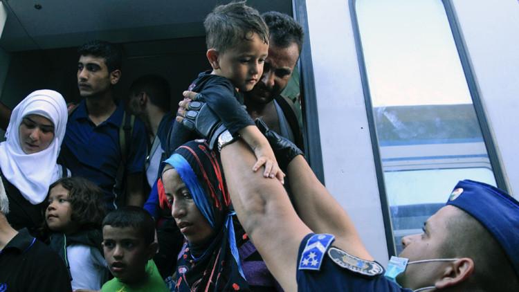 Hungría intercepta en la frontera un tren con migrantes proveniente de Croacia