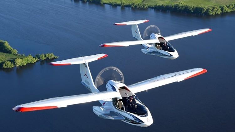 El ICON A5, el avión portátil distinto a todo lo conocido hasta ahora, llega a Nueva York