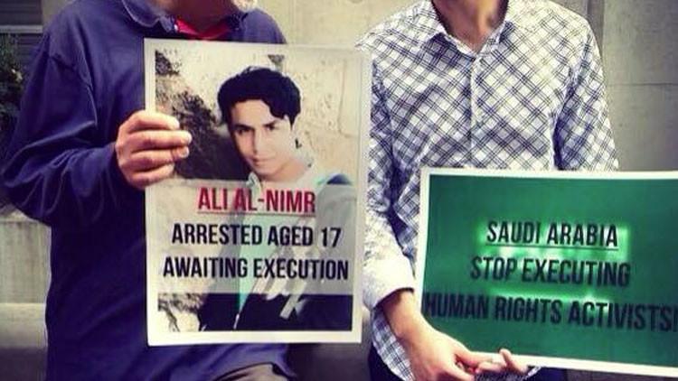 Condenan a la crucifixión a un joven saudí por participar en protestas contra el gobierno