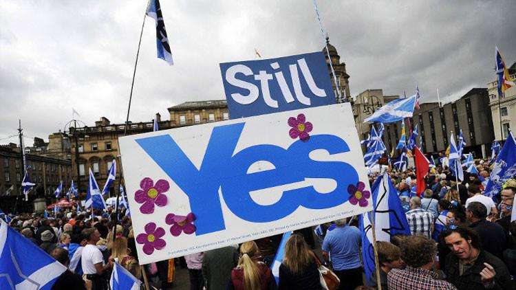 #StillYes: Una protesta masiva en Glasgow pide la independencia de Escocia