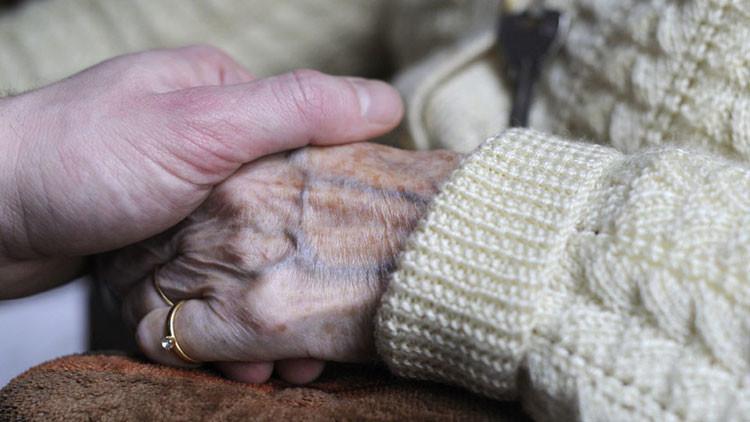 Nuevo descubrimiento revolucionario abre un camino hacia la cura del alzhéimer