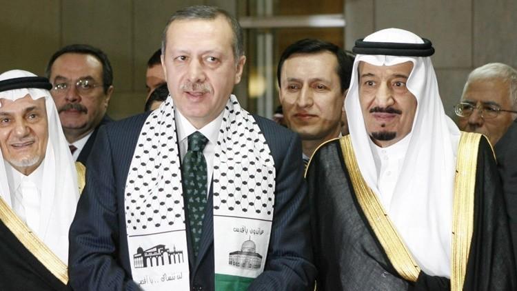 """""""Riad y Ankara planearon la crisis de refugiados para involucrar a la UE en la guerra contra Assad"""""""