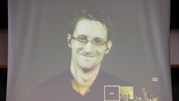 Edward Snowden revela por qué todavía no hemos conectado con alienígenas