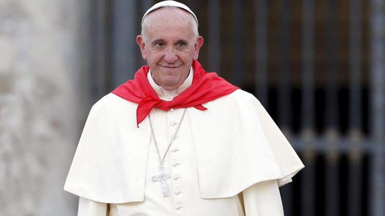 """El papa Francisco, """"muy emocionado"""" por el encuentro con refugiados en el Vaticano"""