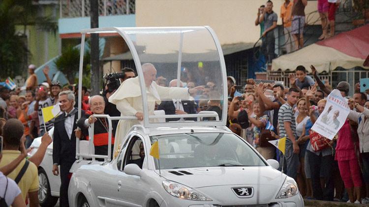 La hija del Che Guevara rechaza asistir a la misa del papa en La Habana