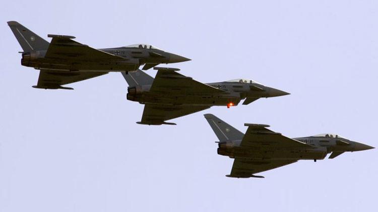 Cazas alemanes pasan a patrullar el cielo báltico armados hasta los dientes