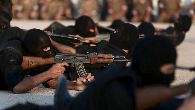 Un grupo armado de rebeldes entrenados por EE.UU. cruza la frontera siria