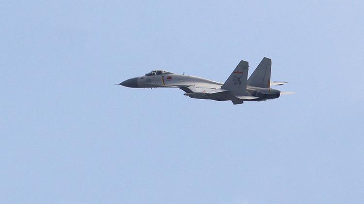Una aeronave china realiza una maniobra riesgosa cerca de un avión espía de EE.UU.