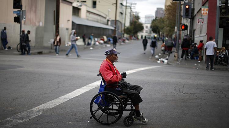 """Los Ángeles declara """"estado de emergencia"""" por indigentes"""