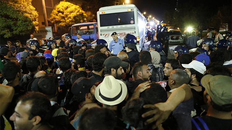Crisis de refugiados: Serbia prohíbe el ingreso al país a camiones de Croacia