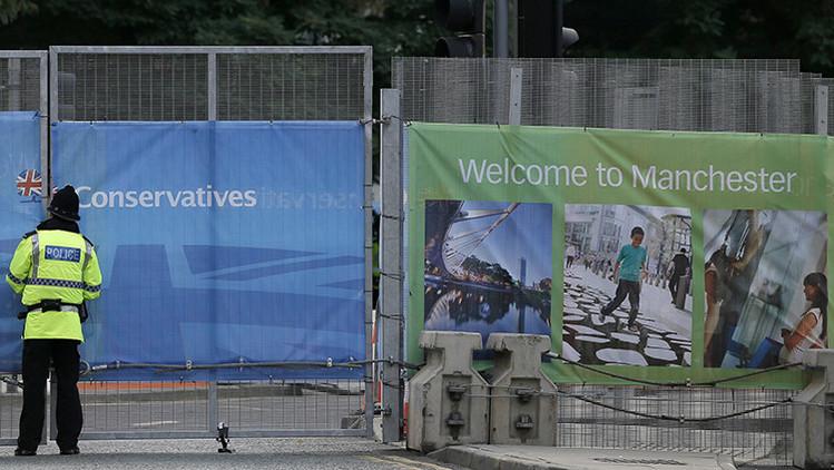 """""""La gente grosera y violenta"""" de Manchester obliga a un inmigrante iraní a volver a su país"""