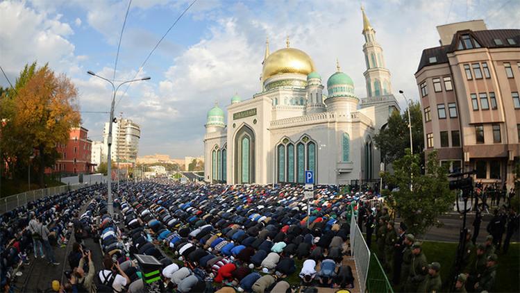 FOTOS: Casi 140.000 musulmanes celebran en Moscú la Fiesta del Sacrificio