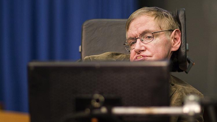 """Stephen Hawking: """"Mi discapacidad ha sido una ayuda, en cierto modo"""""""