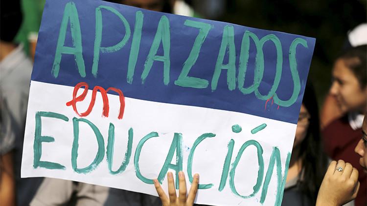 Miles de estudiantes de Paraguay se levantan contra la corrupción