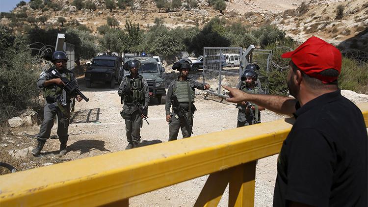 La policía israelí 'borra' a los palestinos de un mapa del sur de Cisjordania