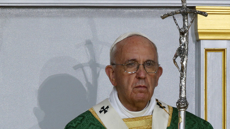 El papa en apuros: conozca la pregunta que casi no pudo responder