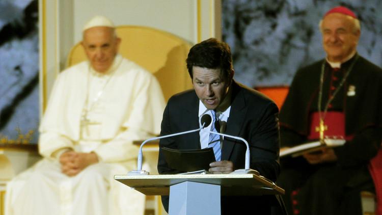 Video: Un actor de EE.UU. bromea ante el papa Francisco