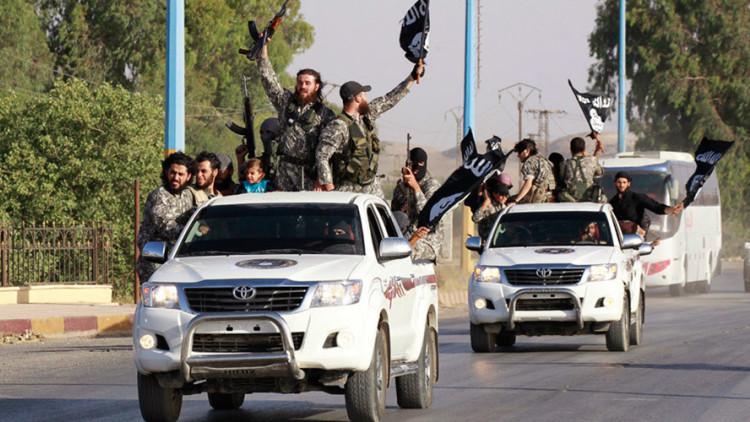 Rusia destruye los puestos de mando del EI en las montañas de Siria durante sus primeros ataques