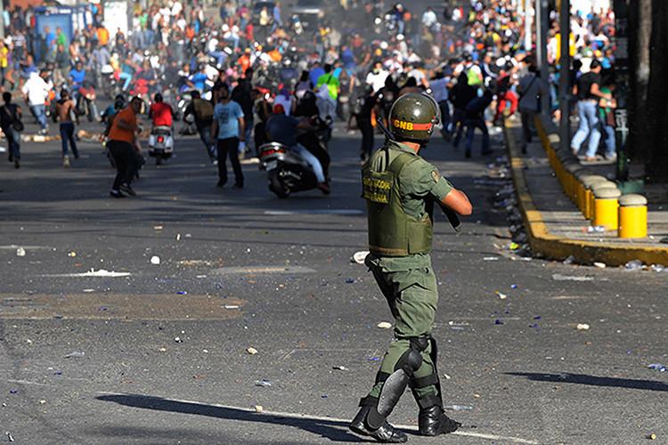 Venezuela: Condenan al opositor Leopoldo López a 13 años de prisión