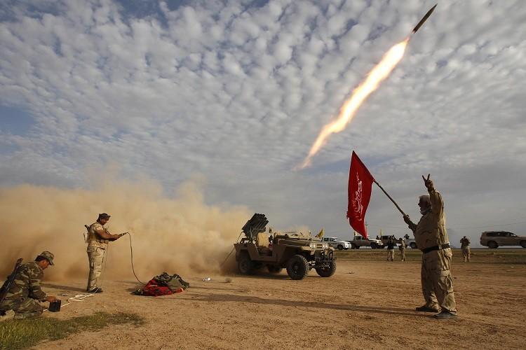 Combatientes chiíes atacan a los islamistas de Estado Islámico