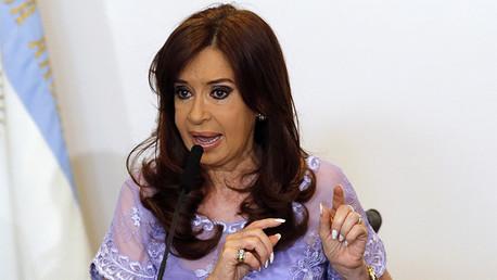 Cristina Kirchner critica un artículo de Financial Times y defiende los BRICS