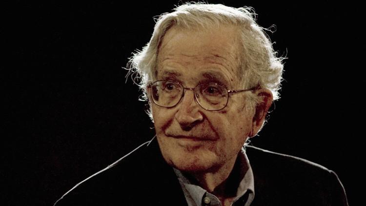 """Chomsky: """"La doctrina de EE.UU. en los asuntos internacionales es la de la mafia"""""""