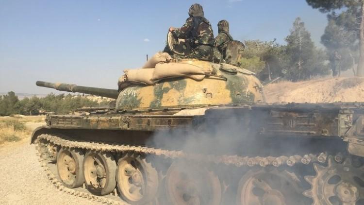 El Ejército sirio prepara una operación antiterrorista terrestre en Hama