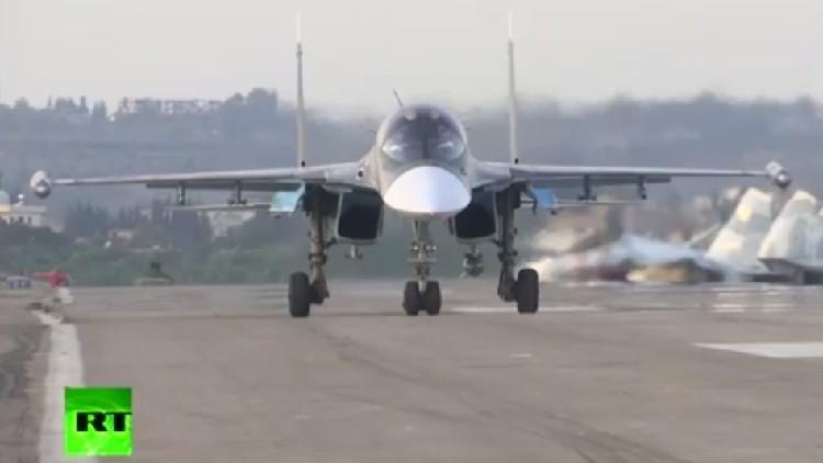 El primer video desde la base de la Fuerza Aérea rusa en Siria