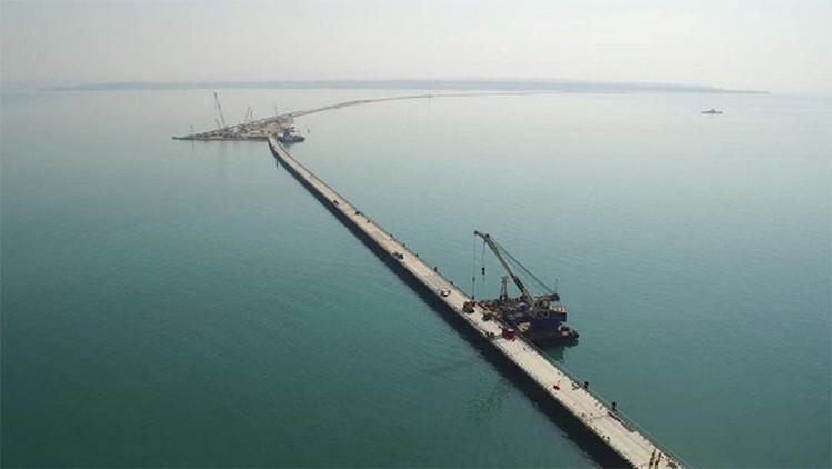 A toda velocidad: avanza la construcción de puentes que unirán Crimea y el resto de Rusia