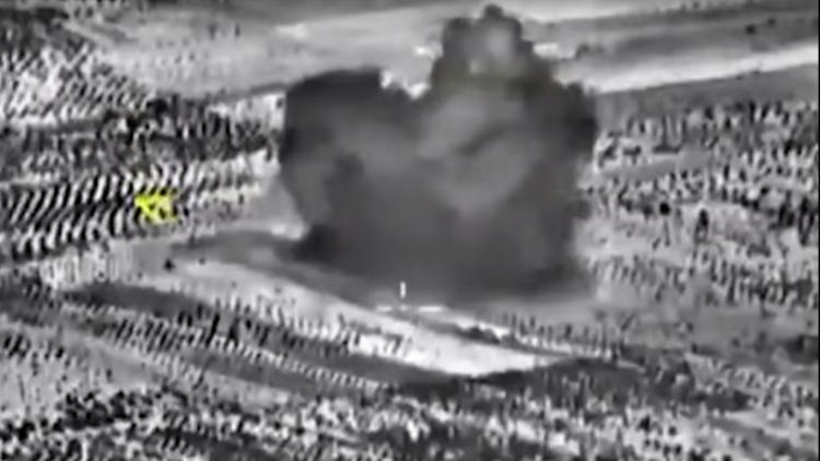 Video: Rusia destruye un taller de fabricación de explosivos del EI en Siria