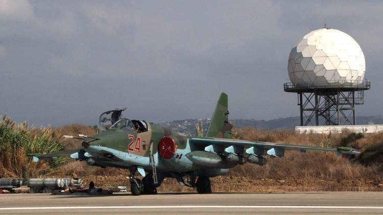 Militantes del Estado Islámico evacuan a sus familias por los ataques rusos en Siria