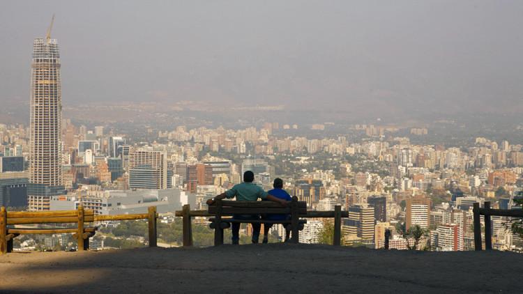 Vista de la ciudad de Santiago, Chile, desde el cerro de San Cristóbal.