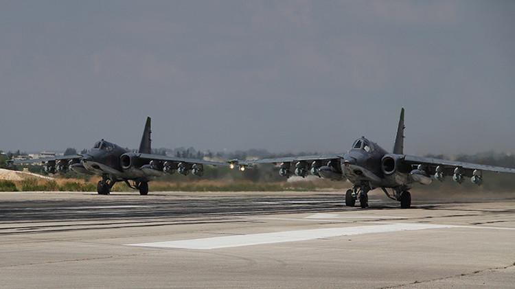 Aviones rusos y estadounidenses establecen el primer contacto 'visual' en el espacio aéreo sirio