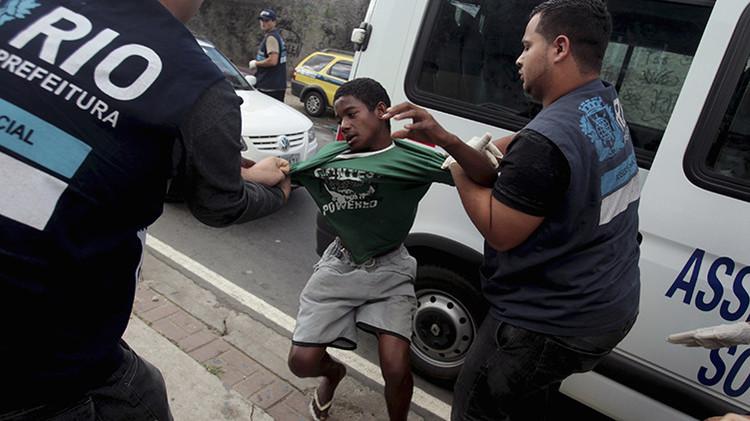 """Niños delincuentes en Río de Janeiro: """"Son monstruos y existe un único lugar para ellos, muertos"""""""