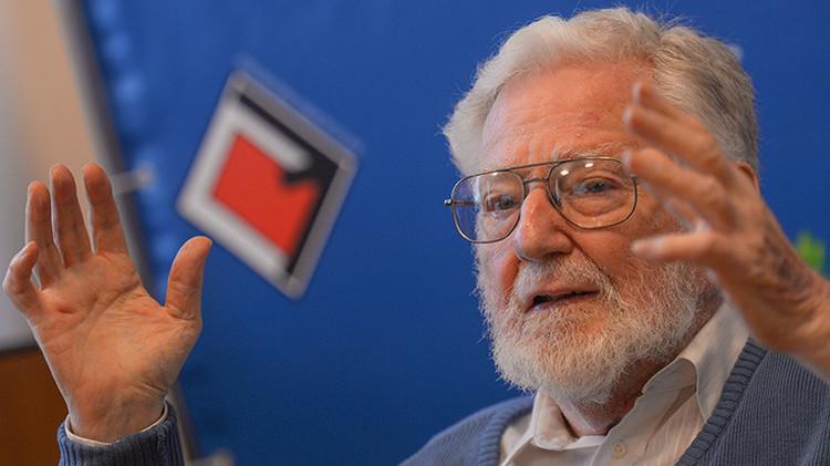 El historiador y politólogo estadounidense William Blum durante una rueda de prensa en la Universidad Rusa de la Amistad de los Pueblos