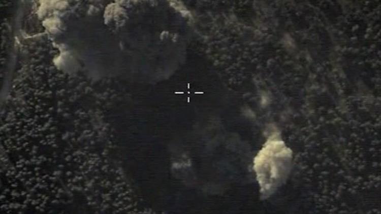 Todos de golpe: Rusia destruye los 32 vehículos blindados de una columna del EI