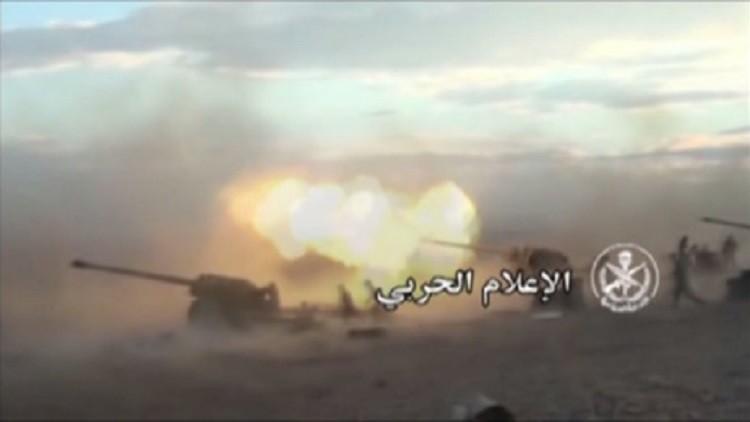 Video: El Ejército sirio vuelve a la carga contra los terroristas del EI por tierra y aire